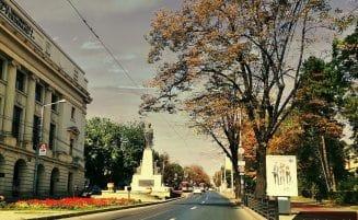 Monument  inchinat Luceafarului poeziei romanesti